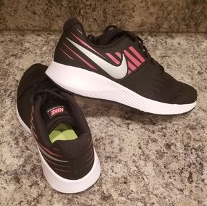 New! Girls Nike Star Runner GS Trainers Shoes 4.5Y